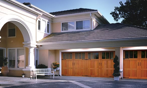 Signature® Carriage Garage Doors Lansing MI